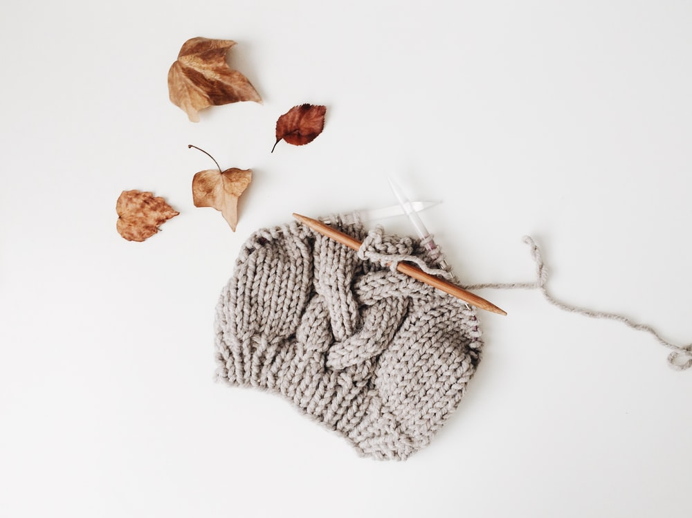 gray knitted beanie hat