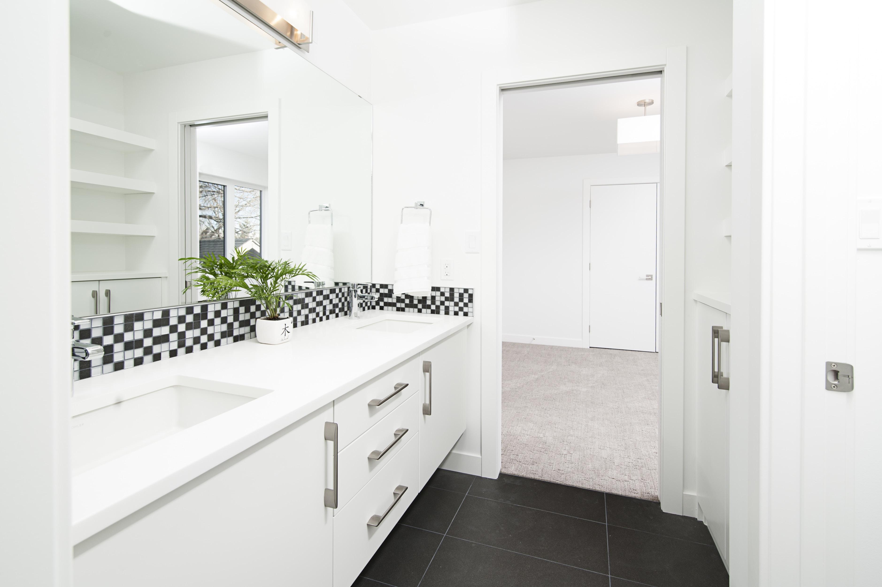 white wooden kitchen cabinet set