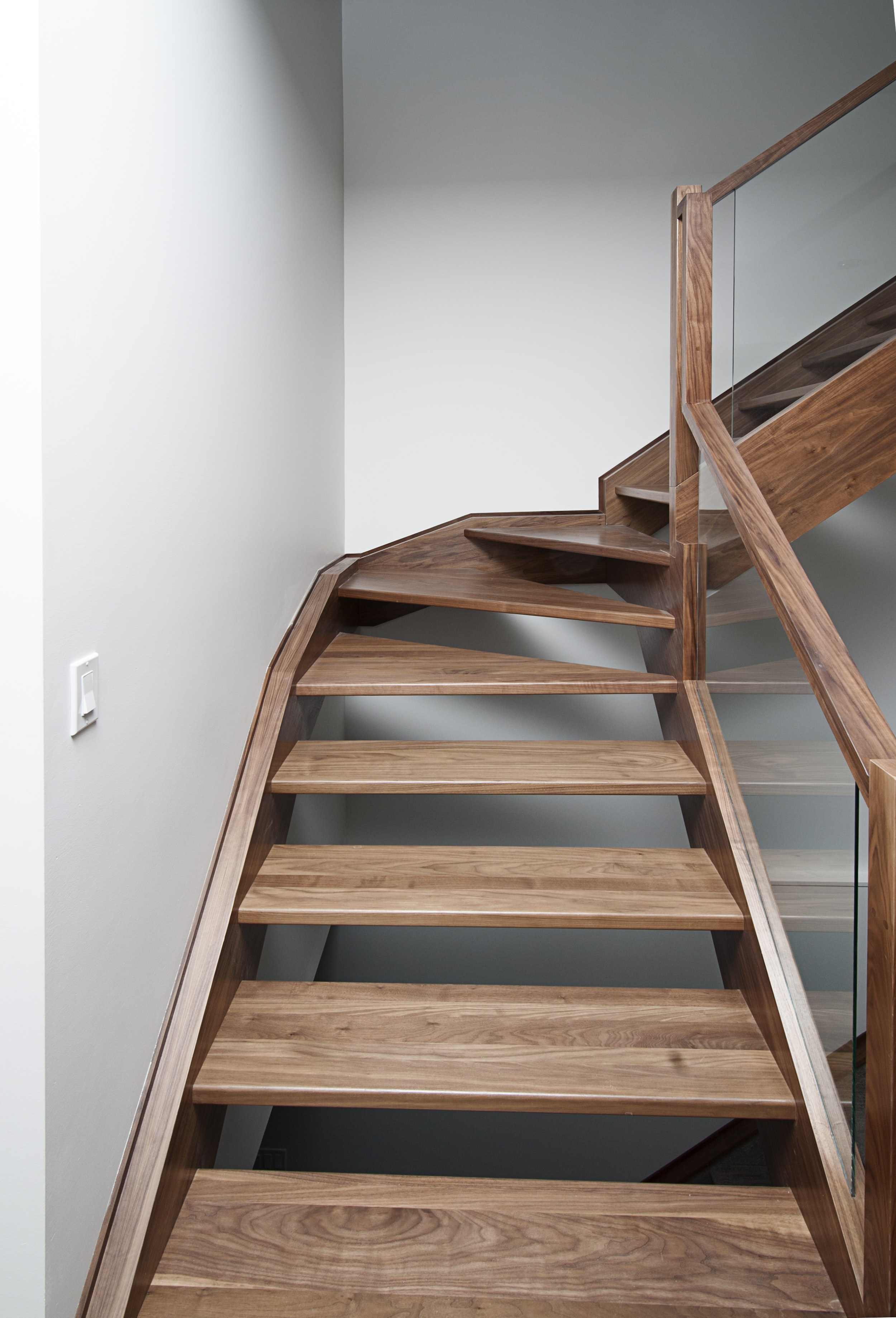 brown wooden 5-layer shelf