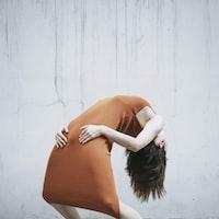 women's white sleeveless dress