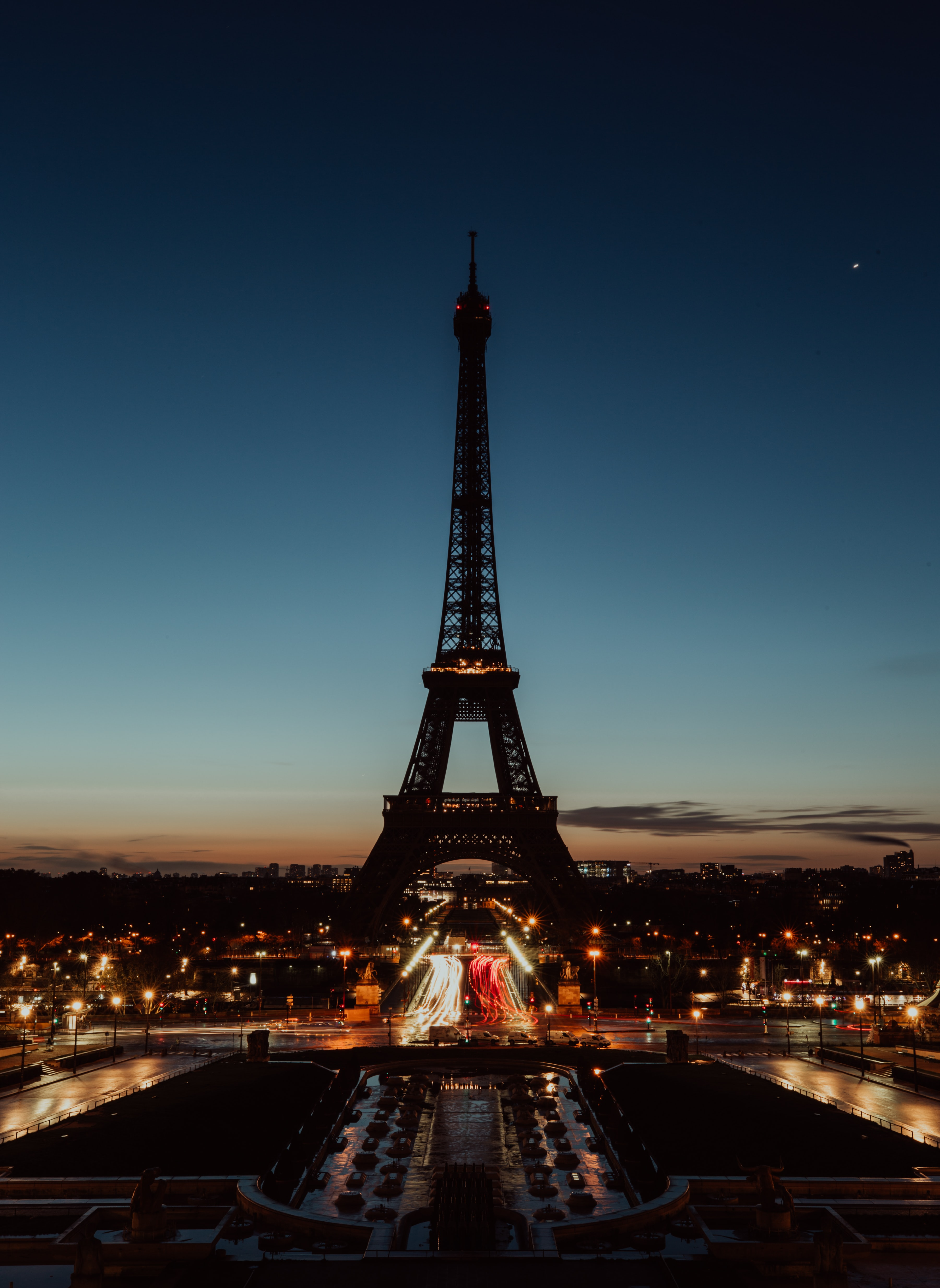 black and brown Eiffel tower