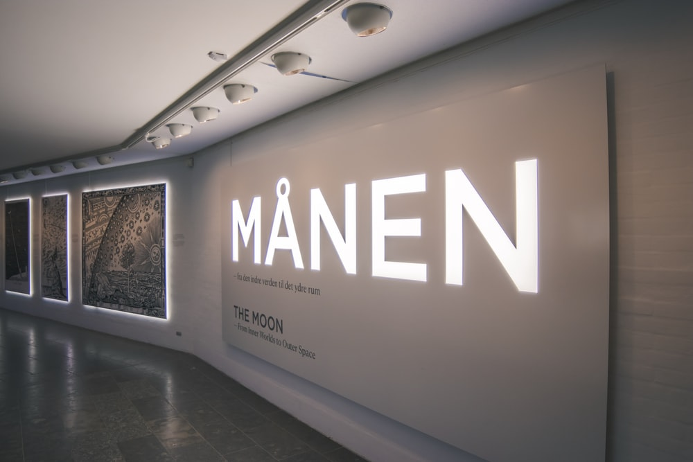 Manen LED sign