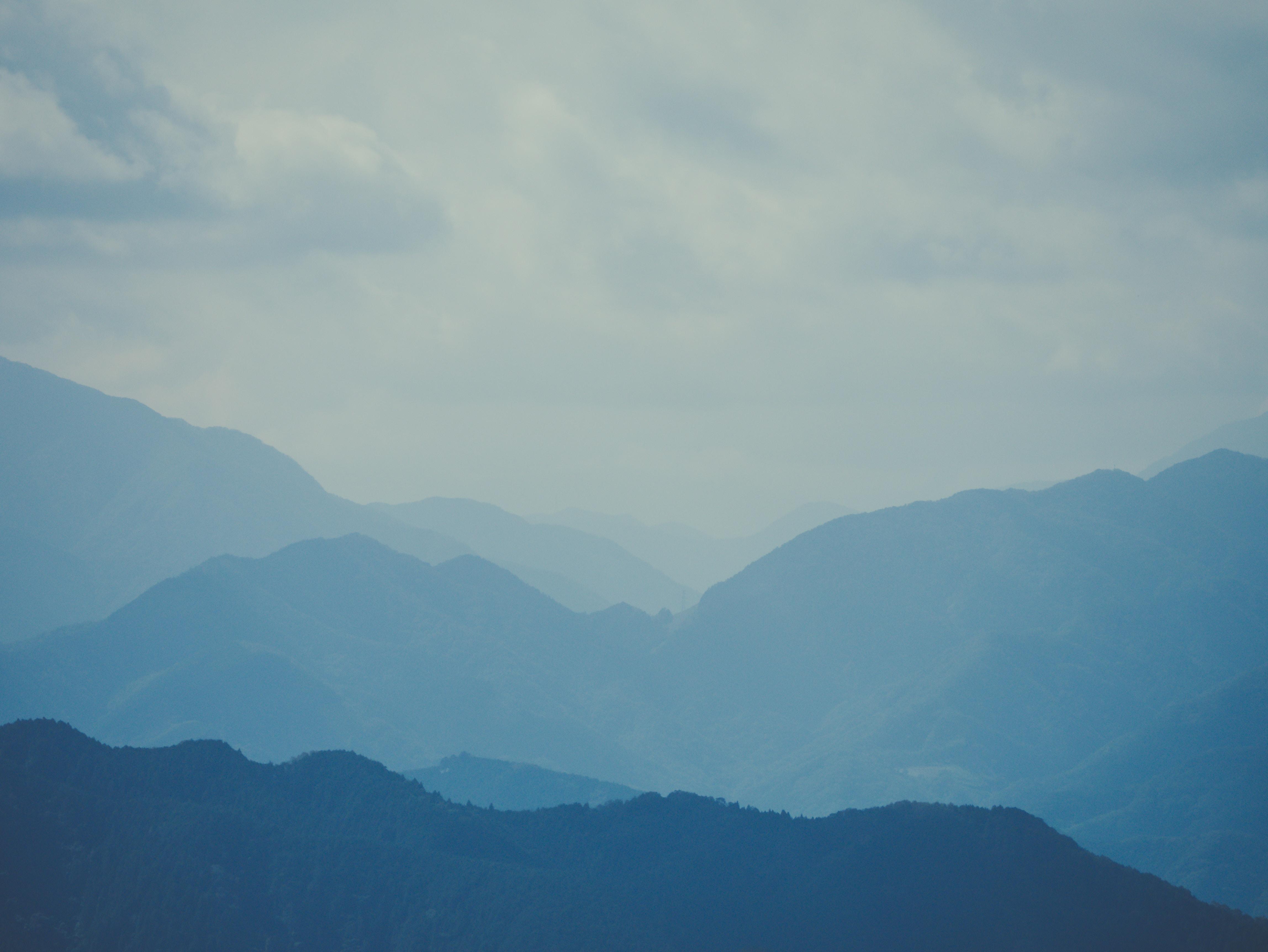 3-tone mountain ranges