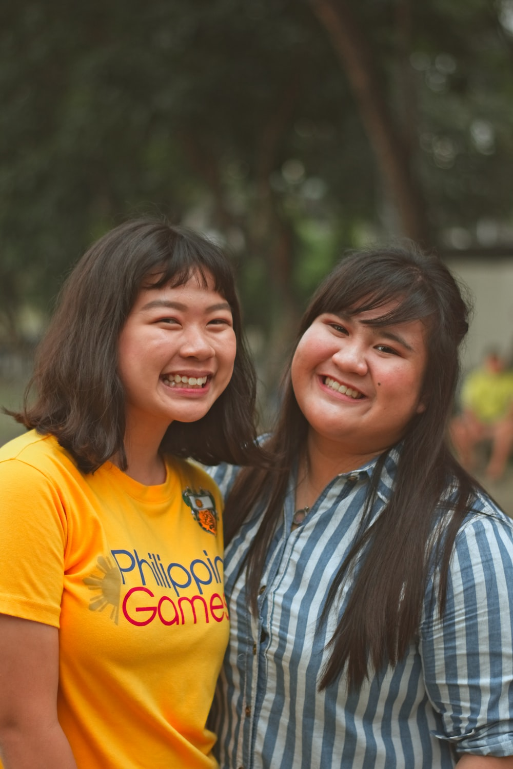 two woman smilings