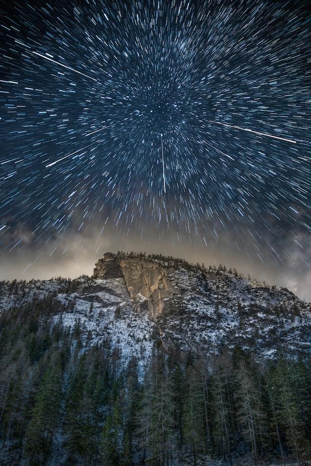 Звёздное небо и космос в картинках - Страница 12 Photo-1545559054-8f4f9e855781?ixlib=rb-1.2