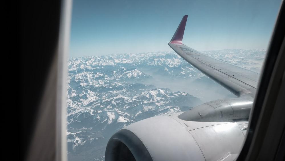 window plane view