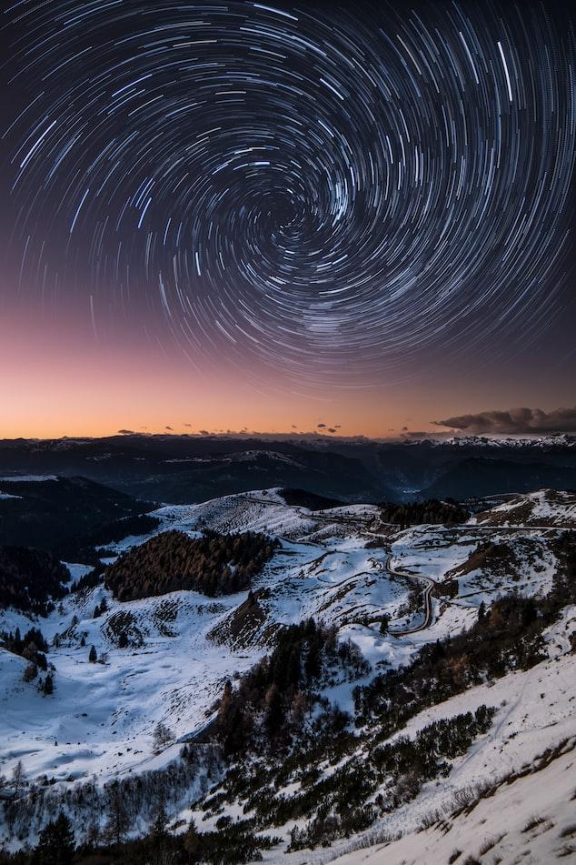 Звёздное небо и космос в картинках - Страница 8 Photo-1545911678-09d0843ccef1?ixlib=rb-1.2