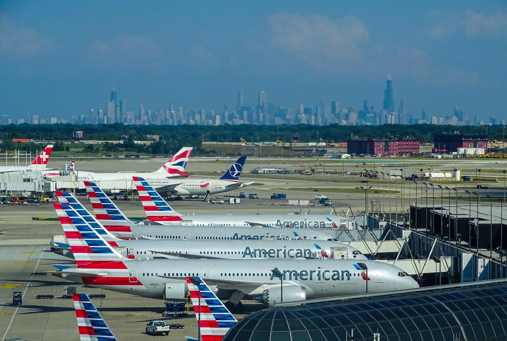 How many daily flights do airline operate: American Airlines: World's airline with the highest daily flight volume