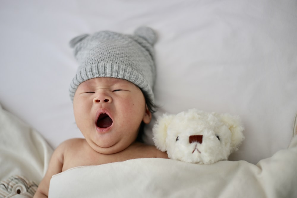 baby's gray knit hat