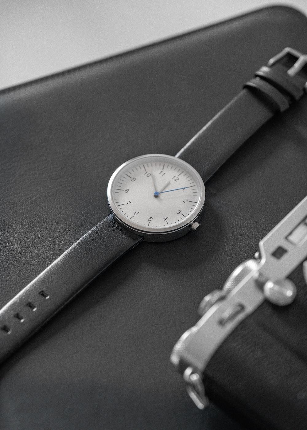 analog watch at 11:51