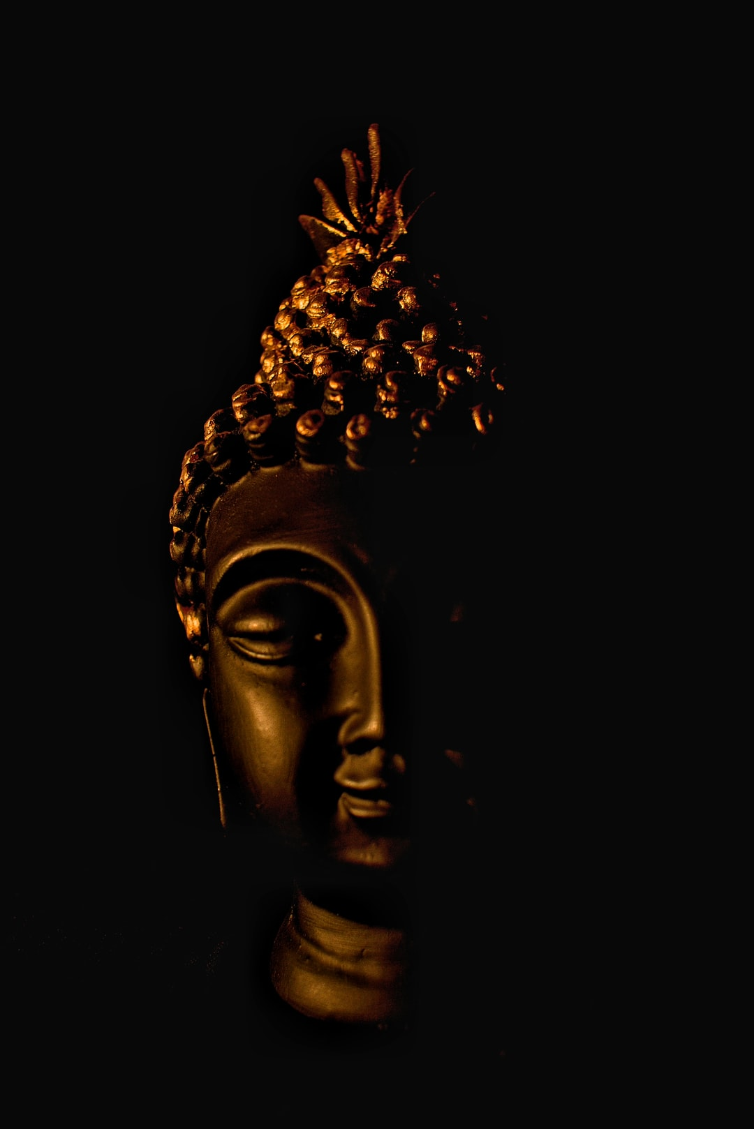 An aesthetic, peaceful and calm pic depicting the character of Buddha.