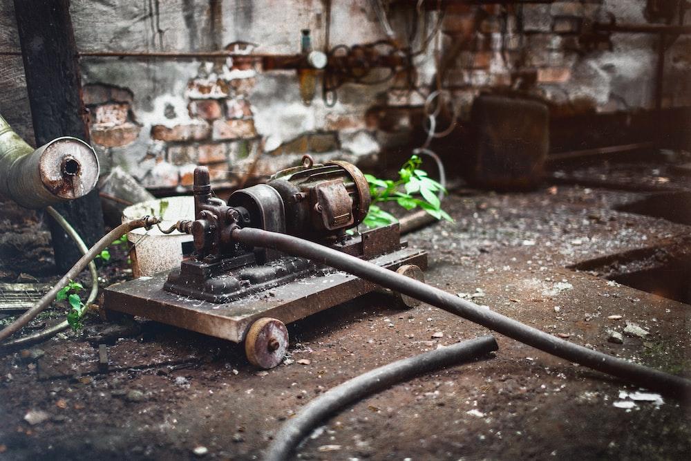 brown industrial machine
