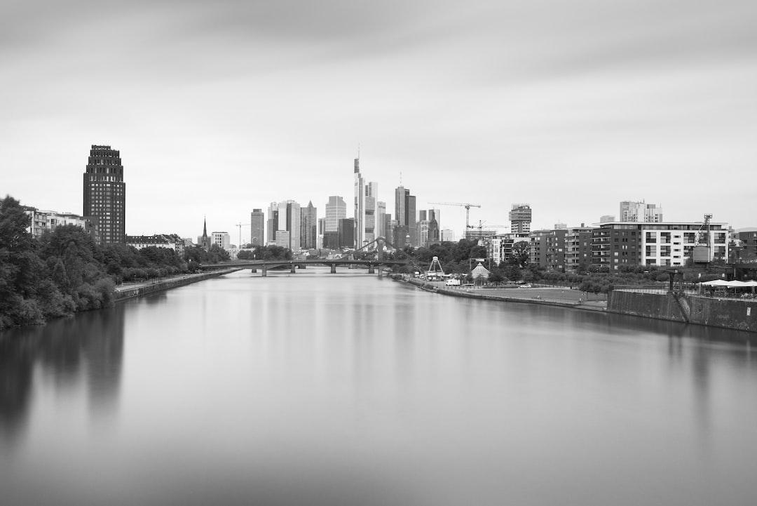Frankfurt Long Time Expose