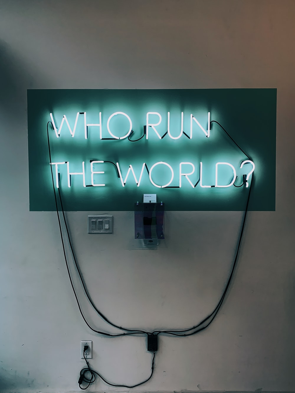who run the world neon light