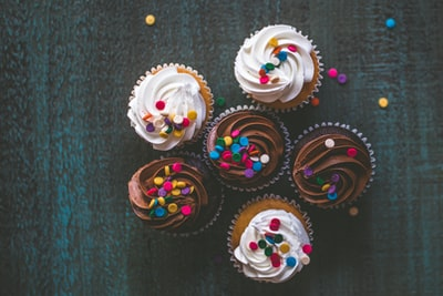 variety of cupcakes cake zoom background