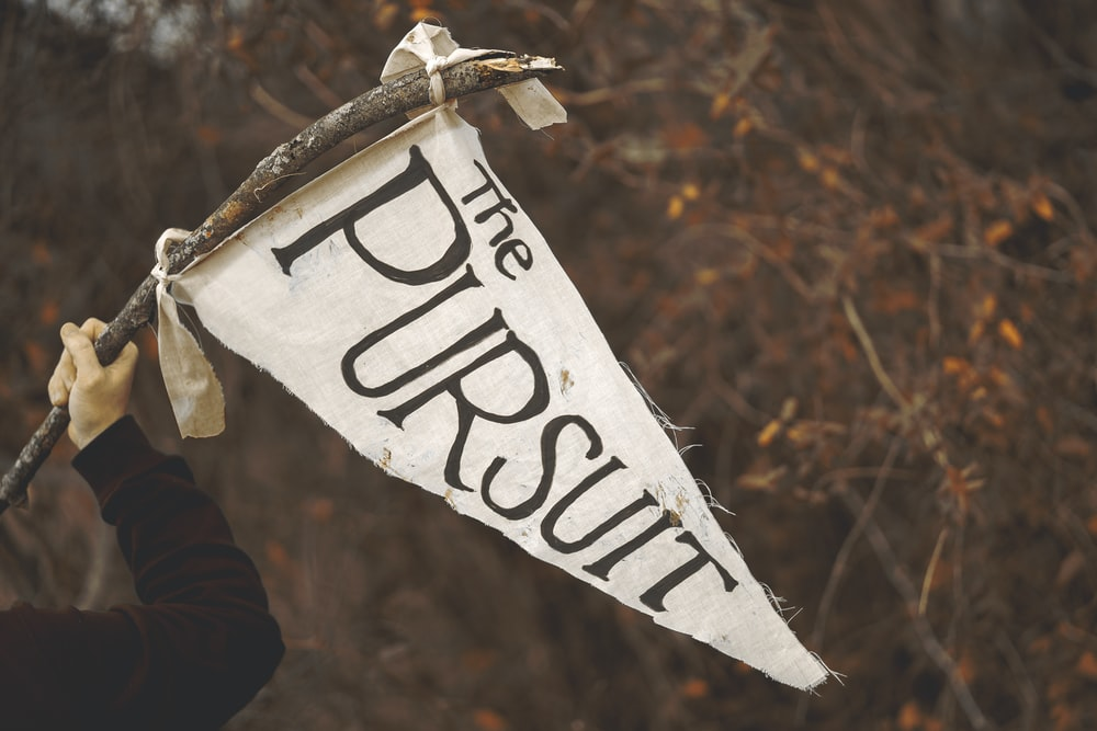 white The Pursuit flaglet