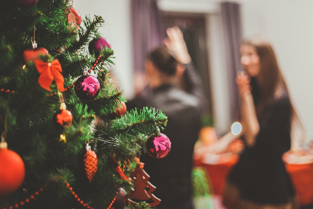 2019-12 11 tips for planning the best work Christmas party