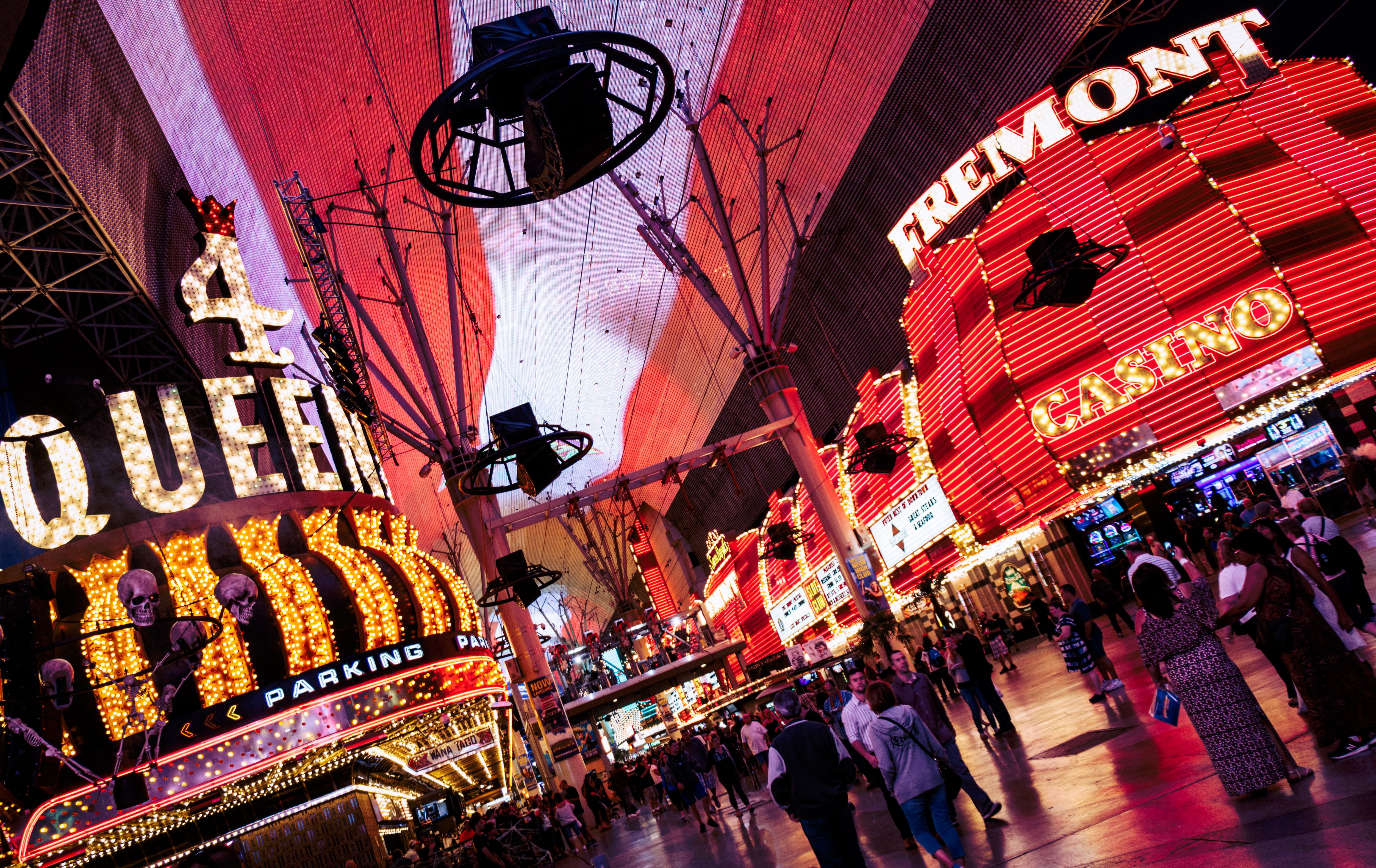 Close you eyes and think of Las Vegas. Bright, loud, and flashing neon? Sadly most of the neon is gone, in favour of screens and explosions. All but for one place. Fremont Street, shines as a beacon of Vegas gone by.