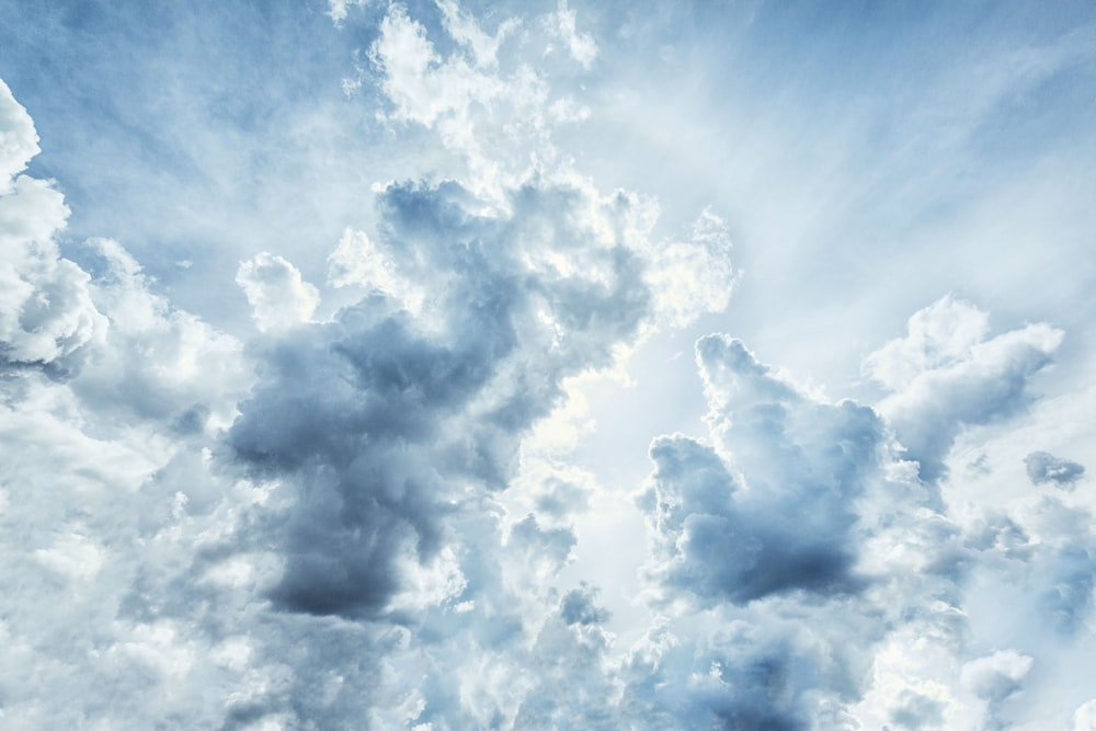 low angle photography of gray nimbus clouds
