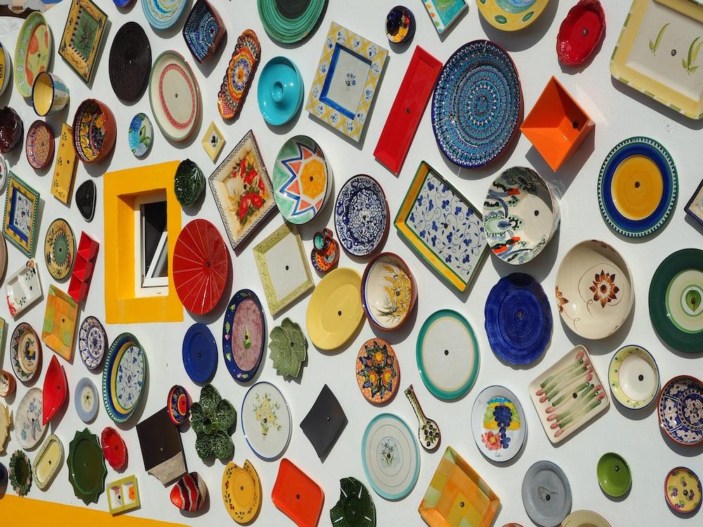 assorted-color decorative plate lot
