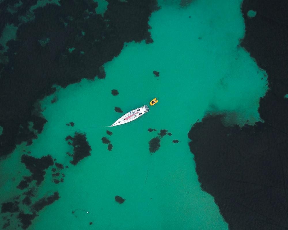aerial photo of speedboat