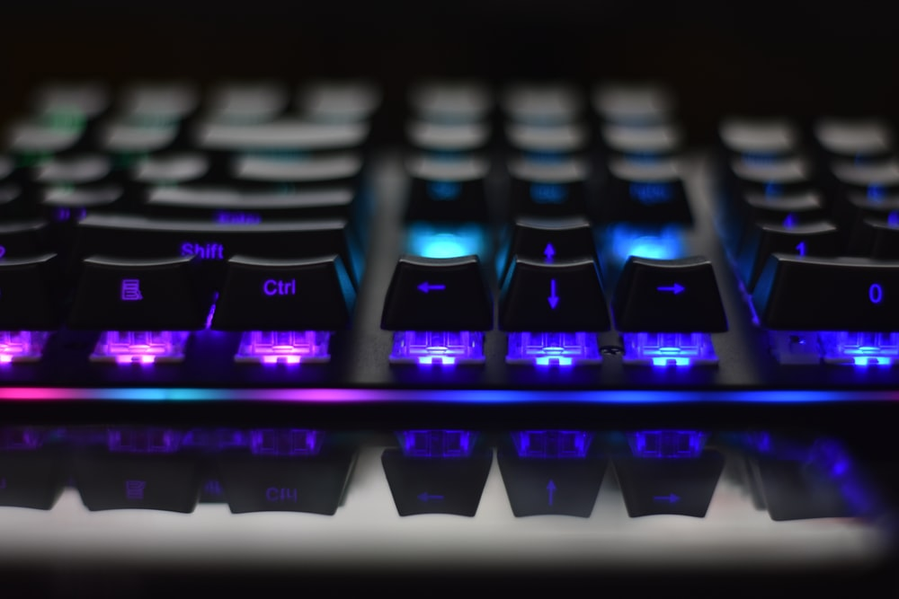 shallow focus photography of black computer gaming keyboard
