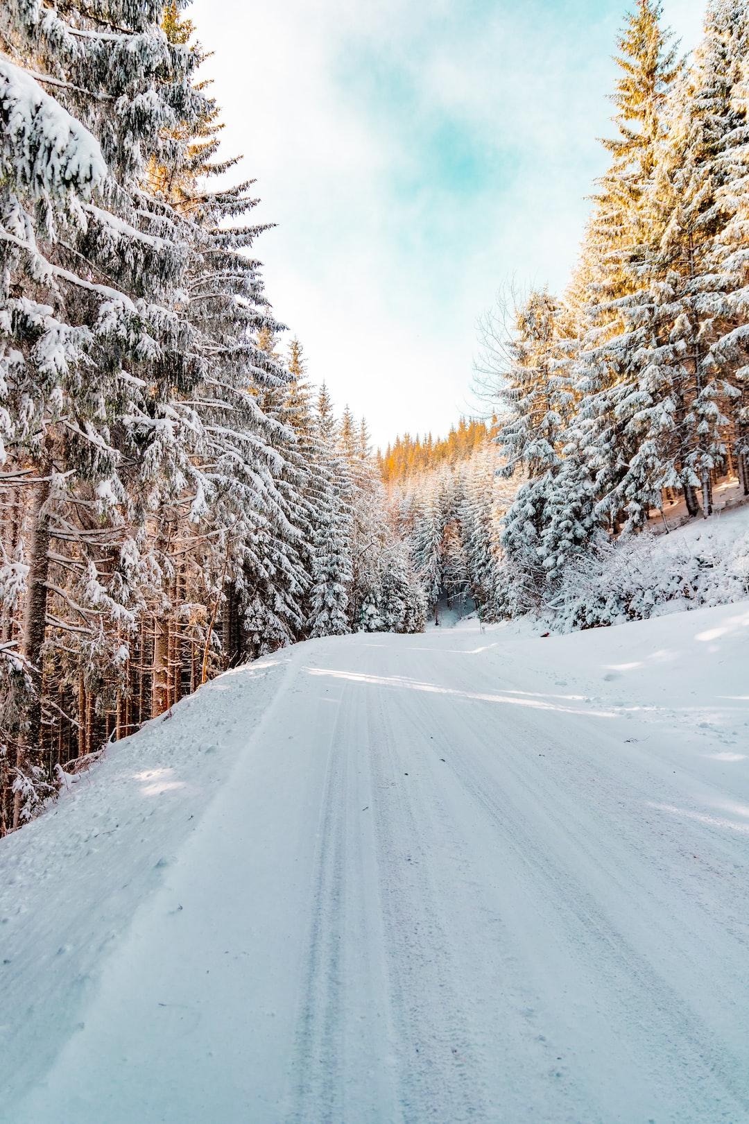 Snowy mountain street.