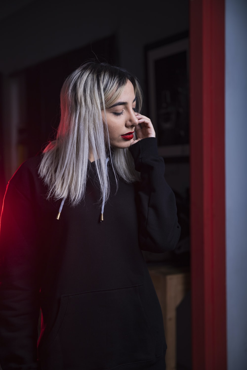 woman wearing black pullover hoodie