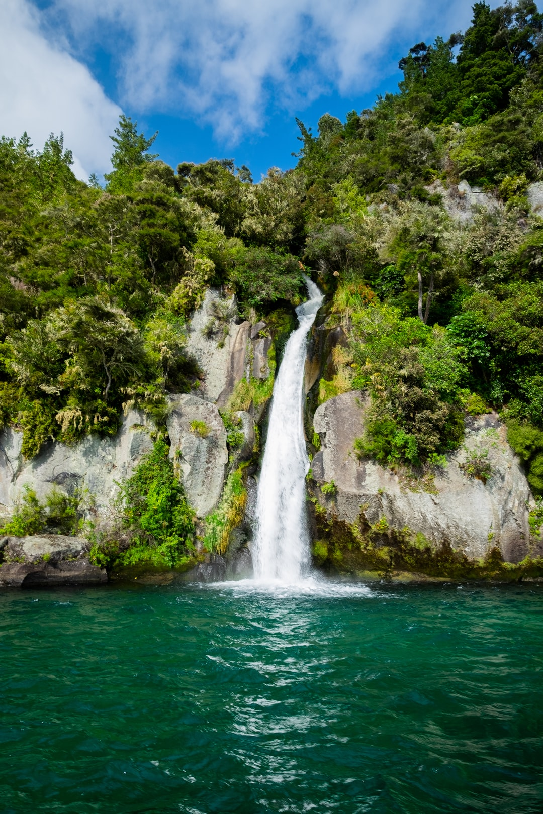 This hidden waterfall can be found in the remote Western Bays of Lake Taupo in NZ, accessible only by boat. The steep cliffs