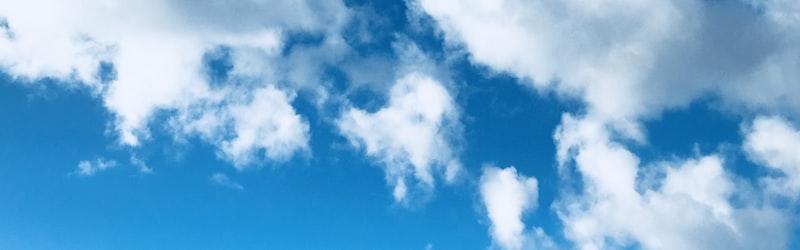 行雲流水(こううんりゅうすい)の意味や使い方や「雲煙過眼」との違いなど解説します!