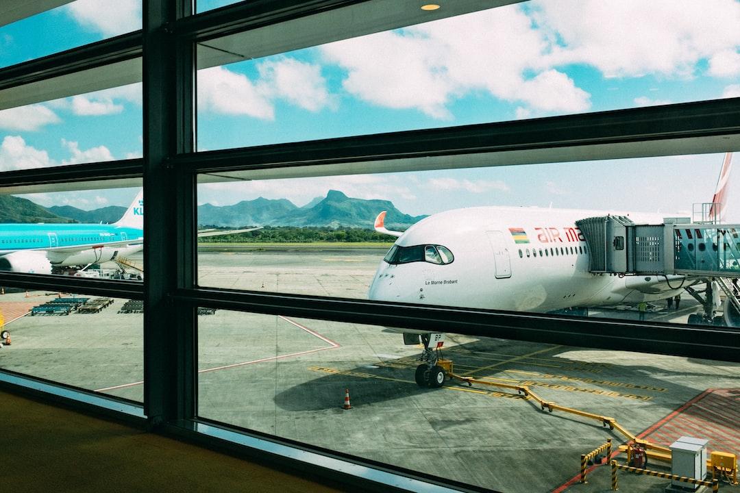『【快適・無料】羽田空港のターミナル別パウダールーム8選!コンセントの有無や混雑度を紹介!』の画像