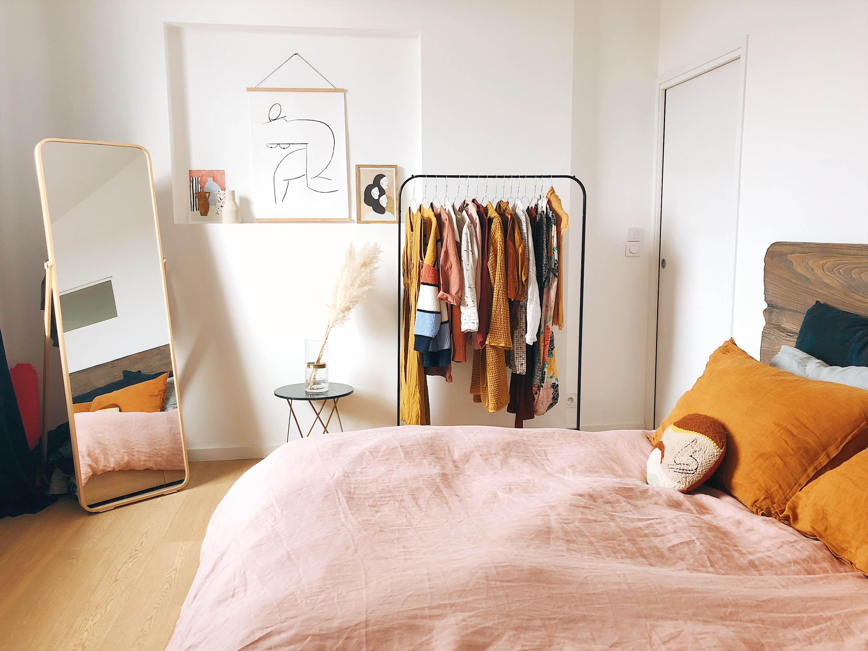 *10 College Bedding For Every Style Dorm