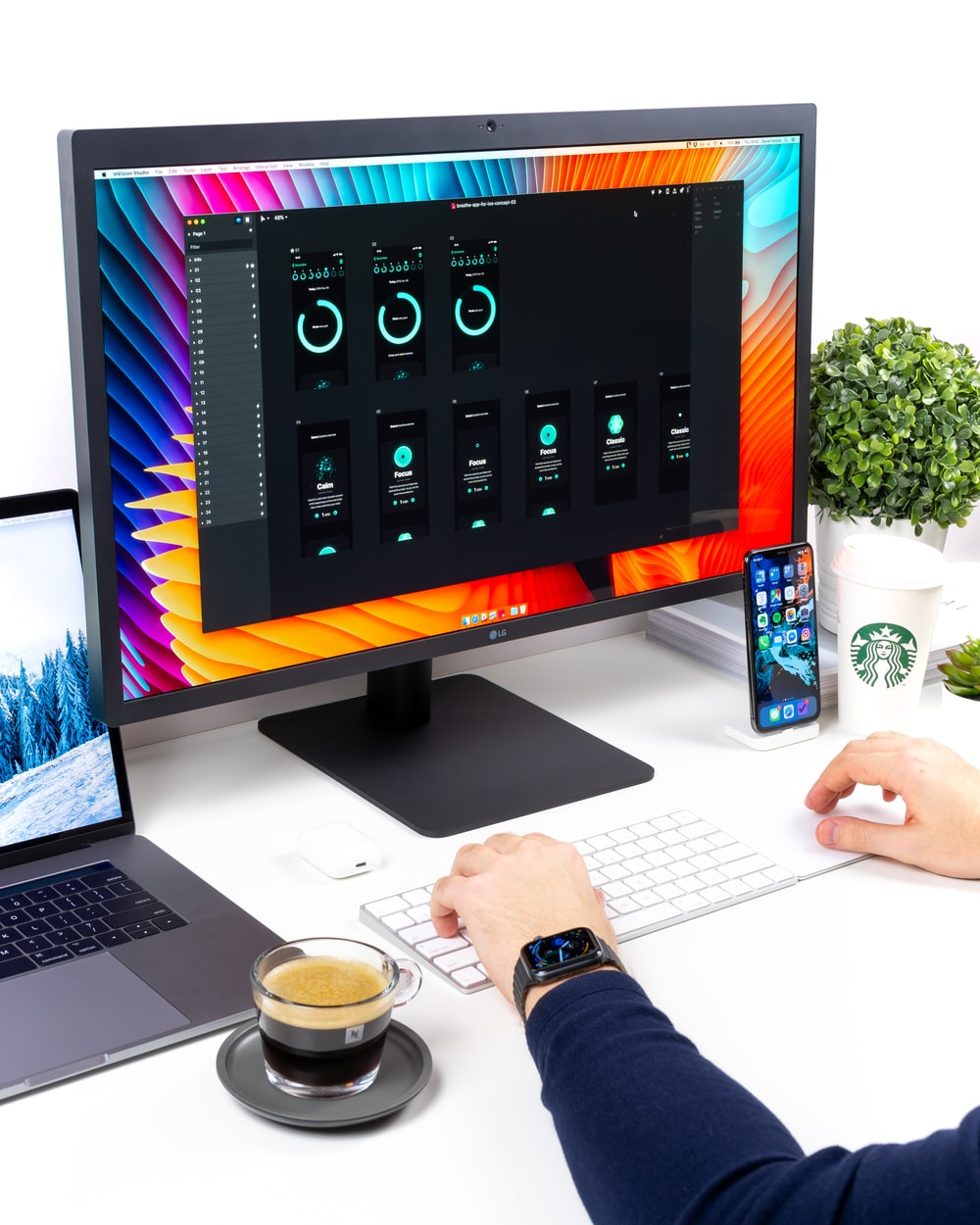 flat screen computer monitor displaying internet speed