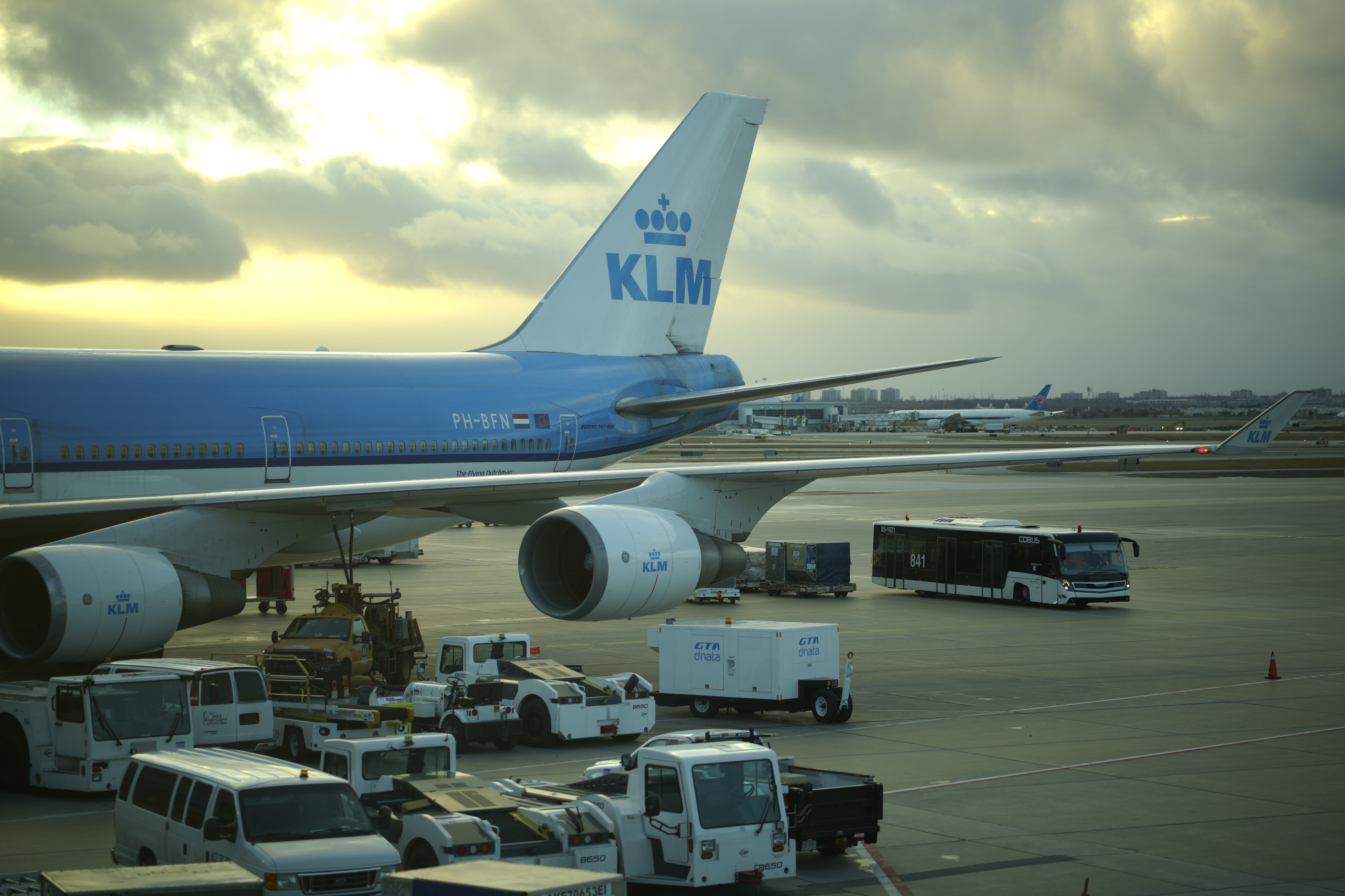 white and blue KLM airplane