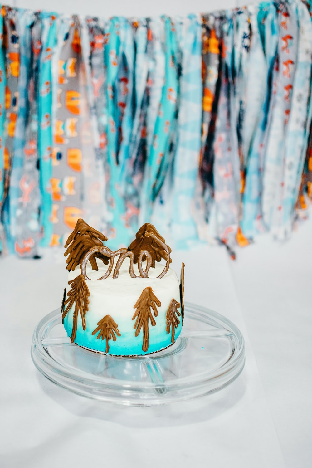 one layer of white and blue cake