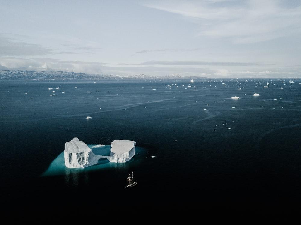 ice bergs on ocean
