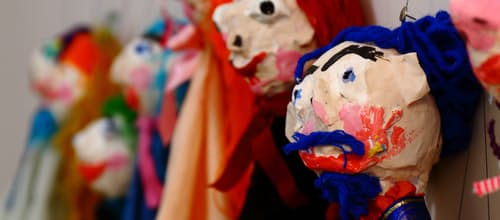 'בובותרפיה': האפקט המעצים של עבודה השלכתית בגיל הרך באמצעות שילוב סיפורים ותיאטרון בובות