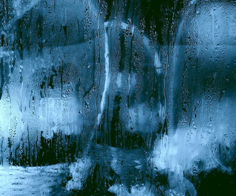 glass water moist