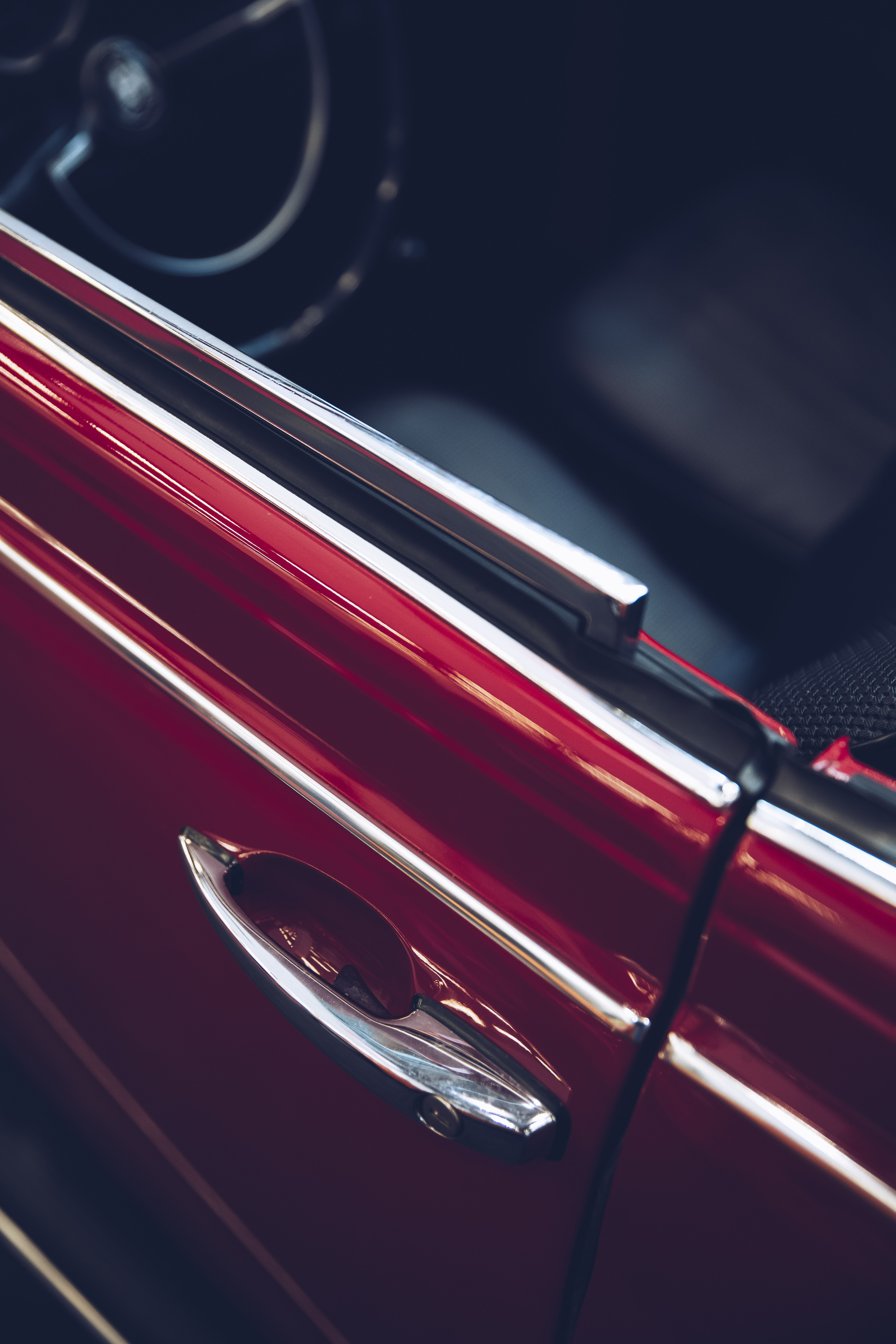 red and black car grille