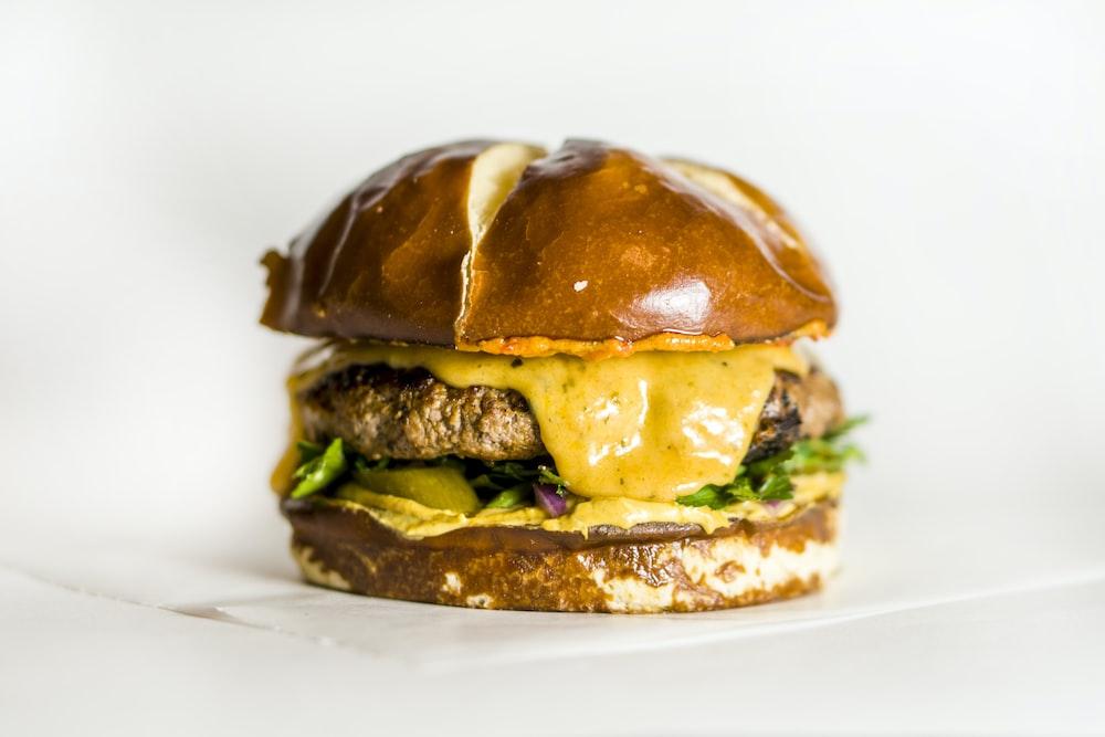 shallow focus photo of hamburger