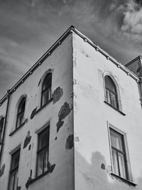 grayscale of building