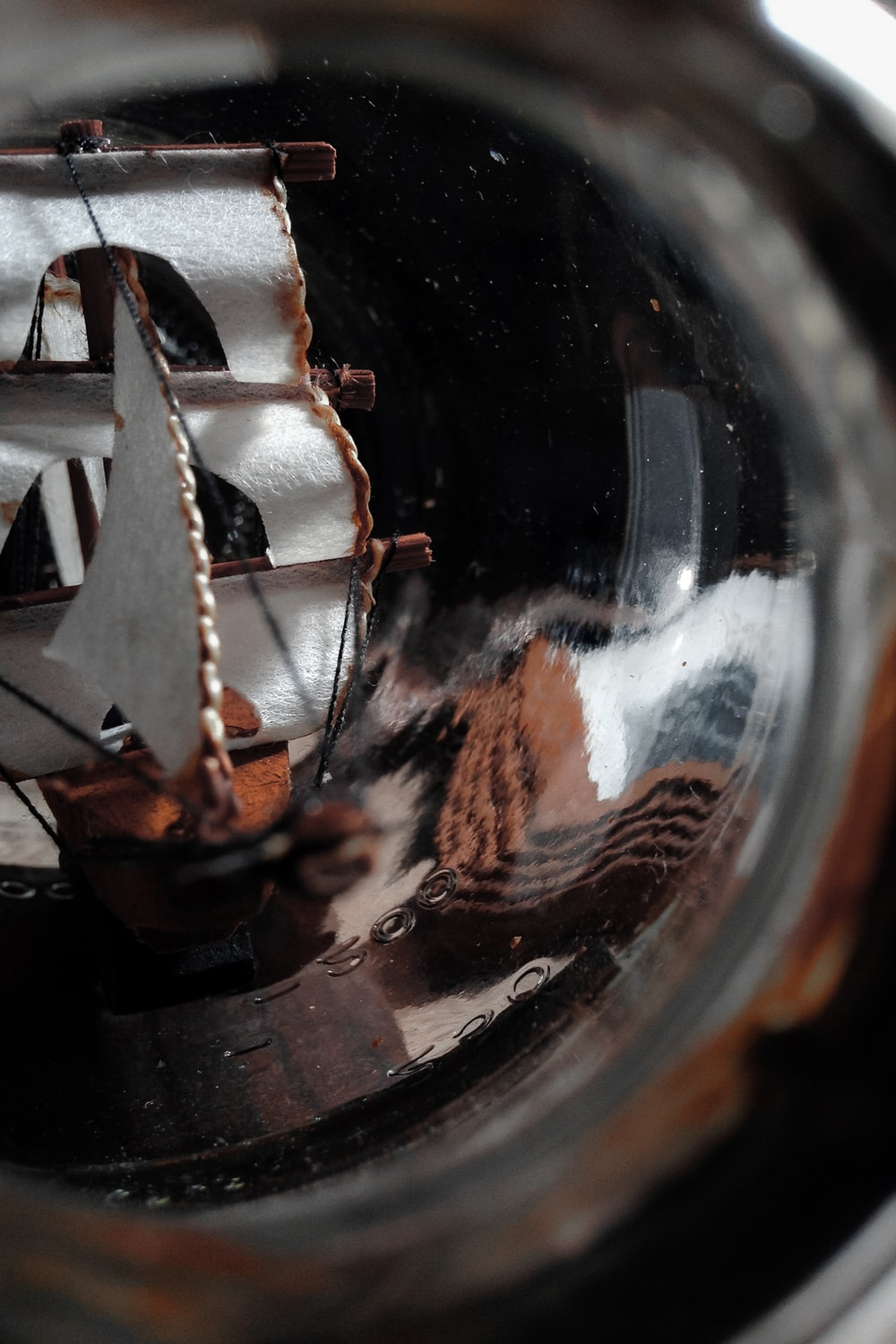 miniature ship in close-up photography