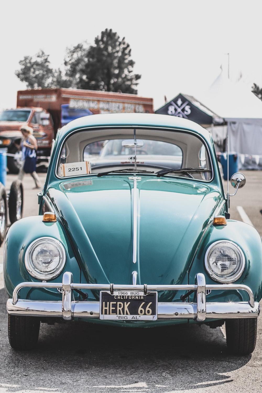 shallow focus photo of Volkswagen Beetle