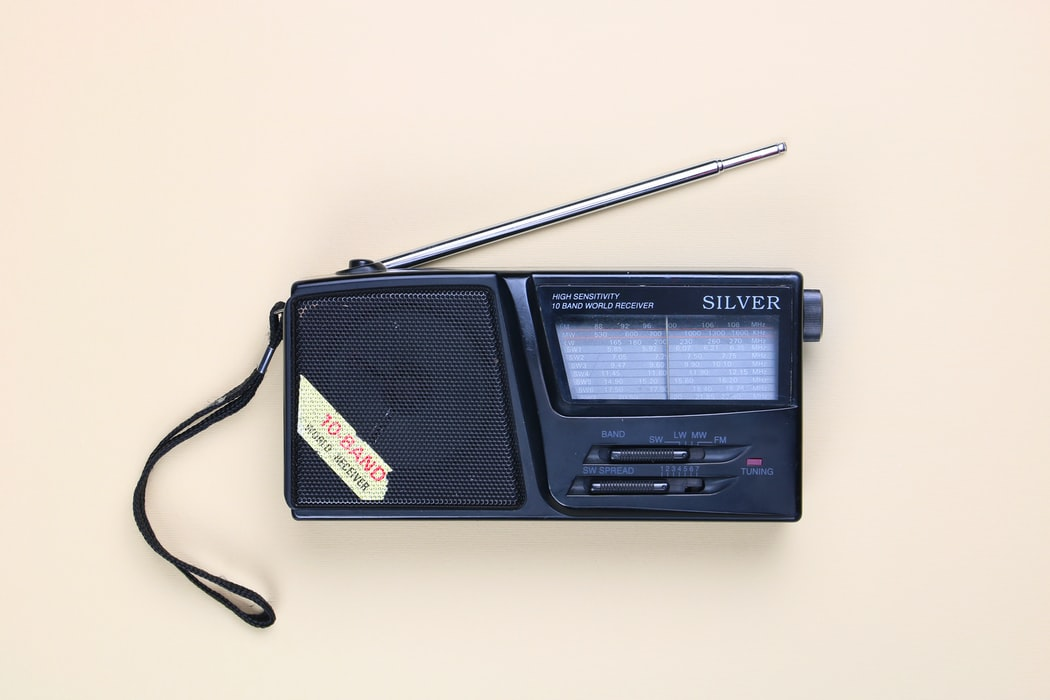 radyo dinlemek