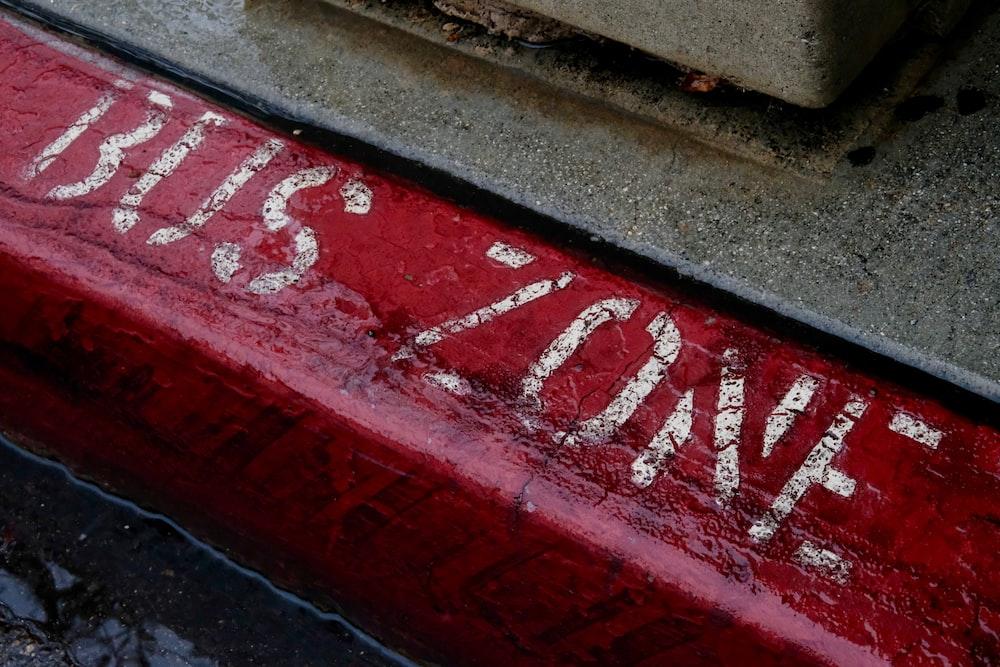 bus zone signage