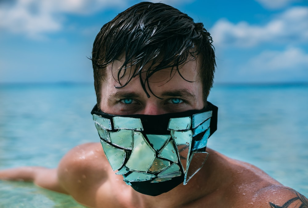 men's black and clear mirror mask