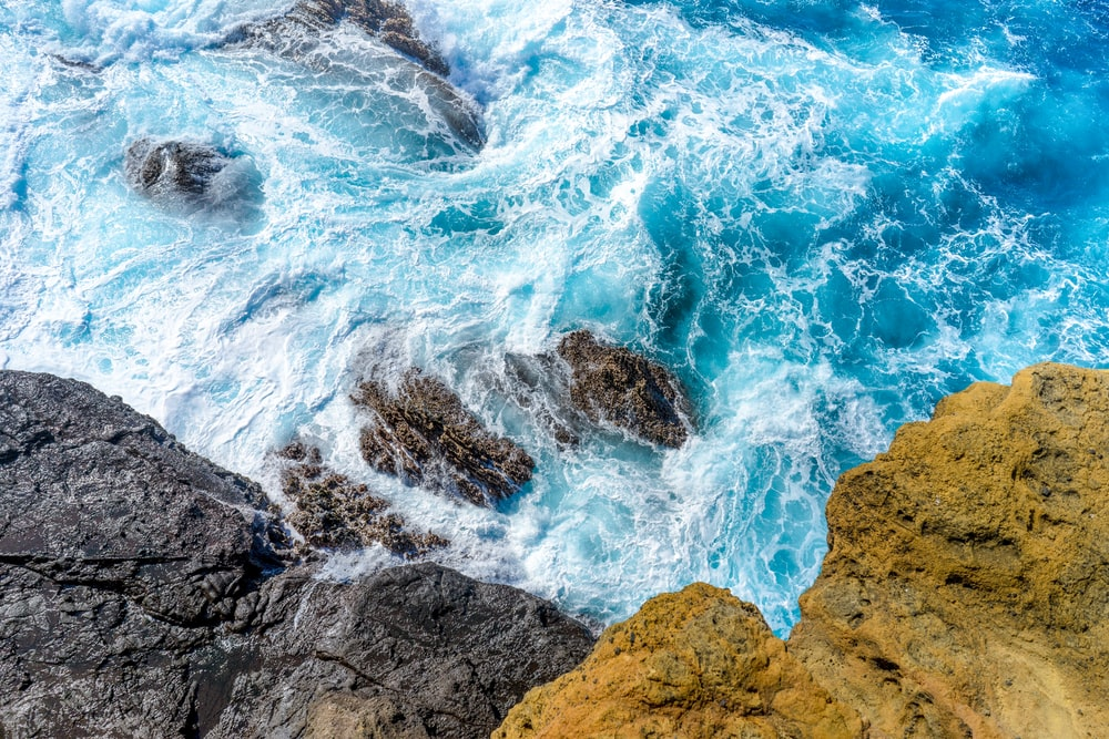 seawaves in high angle photography