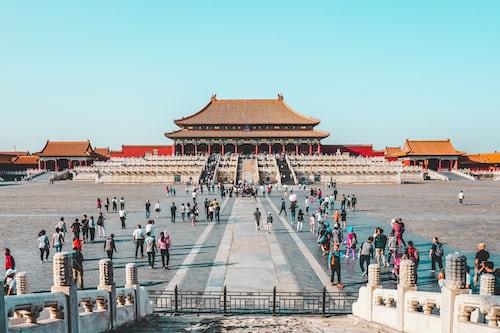 Учителем английского вполне реально устроиться в Китае и прочих азиатских странах