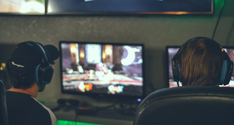 How much does it cost to set up a gaming lounge?