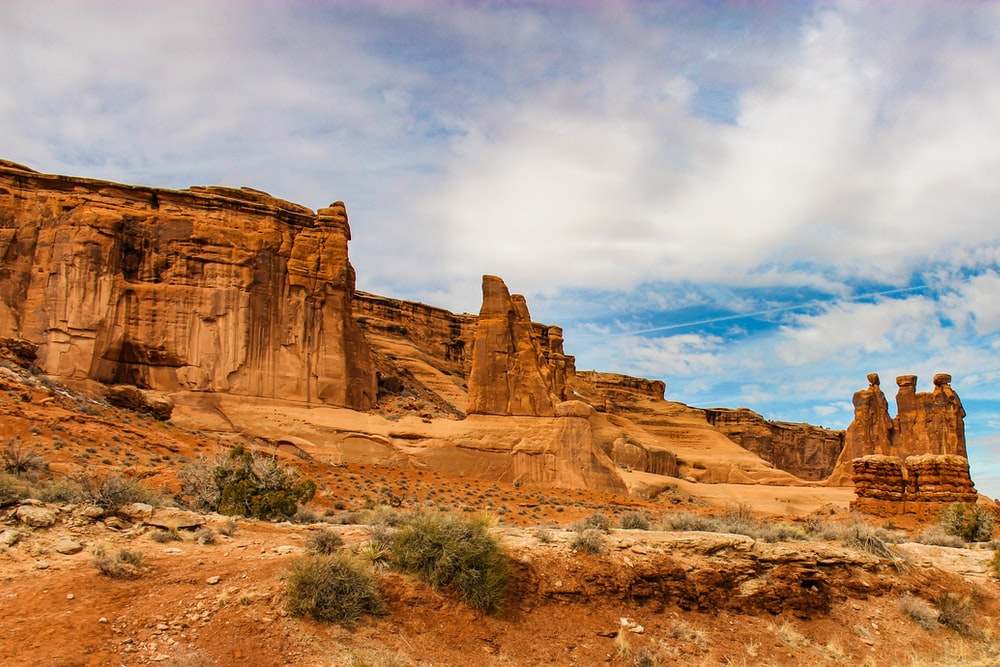 On the right, The Three Gossips. Picture from Keven Bree